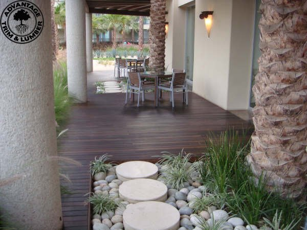 Yes, this is NOT Green Bay! Just another awesome pic of ipe decking;-)