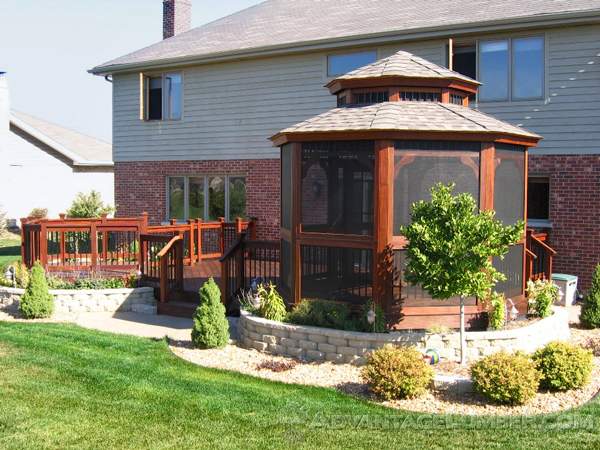 This gazebo, made out of Ipe, is a gorgeous addition to this home.