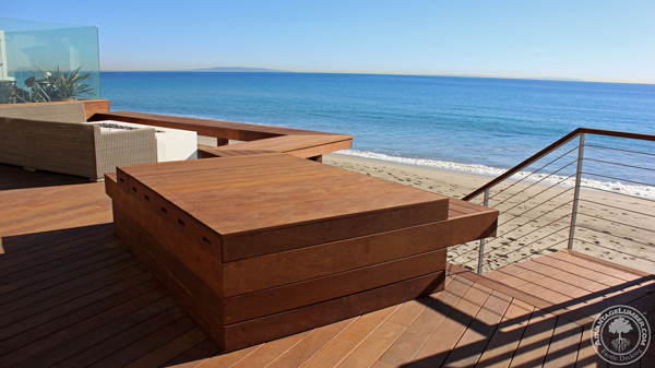 Ipe and stainless steel where the ideal materials for this modern coastal deck